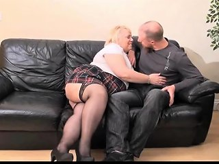Mature British Bbw Lexie Cummings Fucks A Young Stud Drtuber